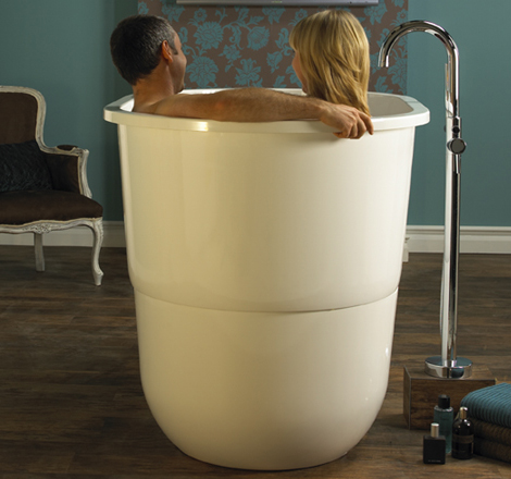 Japanese sit bath tub deep free standing soaking tub for Free standing soaking tub