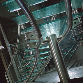 Glass Stairs by Joel Berman Glass Studios – Glass Stair Treads and Landing