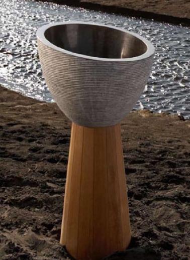 Kudeta free standing washbasin