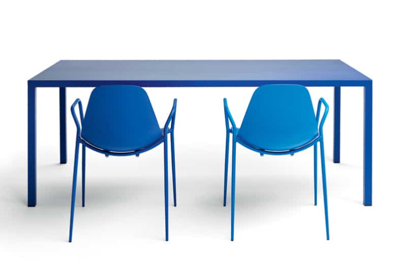 Lacquered Aluminium Table and Chairs from Opinion Ciatti