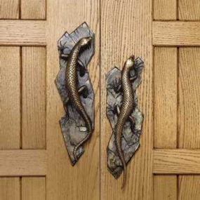 Decorative door hardware by Martin Pierce – the luxury exotic Lizard door pulls