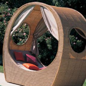 Outdoor Bed from Mazuvo – Balu garden bed