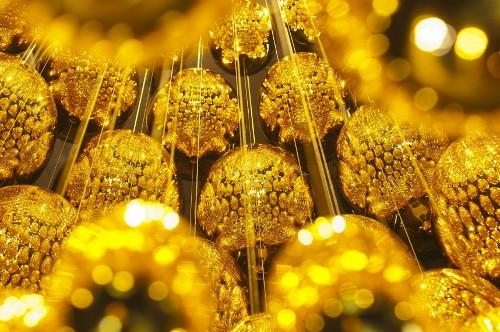 mirrored chandelier uovo black pearl lasvit 3 Mirrored Chandelier: Uovo Black Pearl by Lasvit