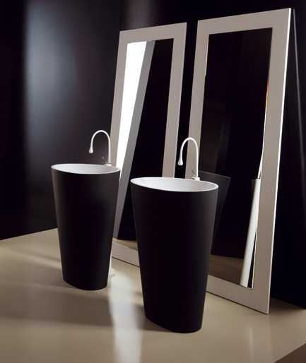 modern-black-and-white-bathroom-fixtures-mastella-1.jpg
