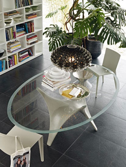 modern round glass dining table molteni arc 1 Modern Round Glass Dining Table by Molteni – Arc