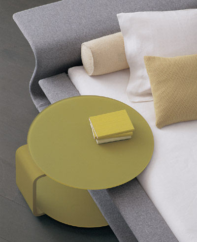 molteni-clip-bed-side-table.jpg