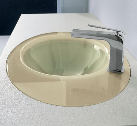 Novello vanity Max with asymmetrical impression sink