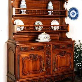 Always in Trend – Fine Antique Furniture from Paris