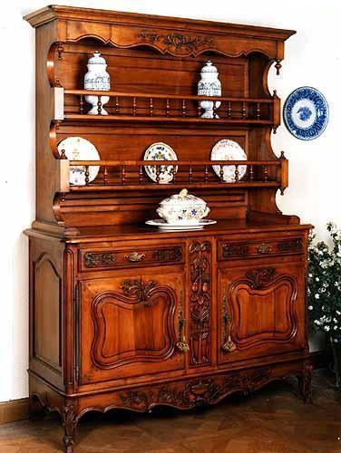 Always in Trend – Fine Antique Furniture from Paris