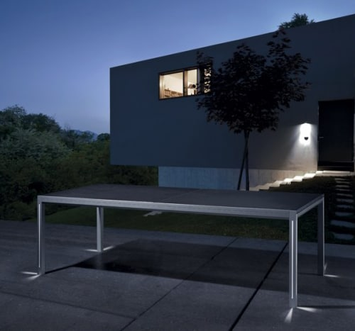 patio table with lights luna manutti 1 Patio Table with Lights   Luna by Manutti