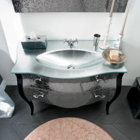 Elegant Vanity Set by Rab Arredobagno – ideal for transitional interiors