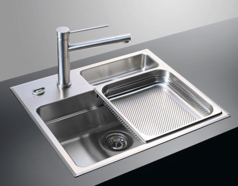 Waterstation Cubic 600 kitchen sink from Rieber - the sliding sink trays