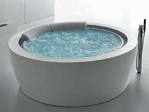 round-whirlpool-bathtub-hafro-bolla-sfioro-3.jpg