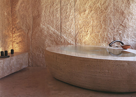 salvatori bathtub uovo Travertine Bathtub from Salvatori   Uovo contemporary bathtub