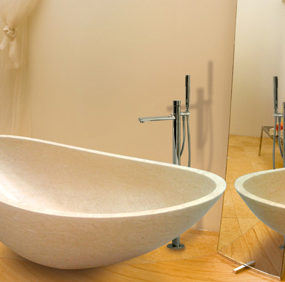 Elegant Bathroom Design – Oyster tub by Salvinistile