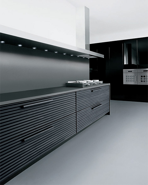 schiffini black anodized aluminium kitchen Modern Kitchen by Schiffini   Cinqueterre anodized aluminium kitchen