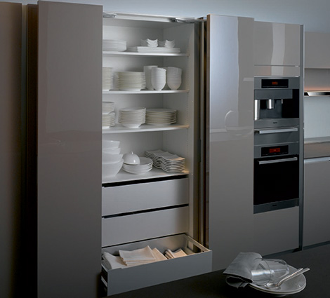 Siematic S1 kitchen - dishes storage