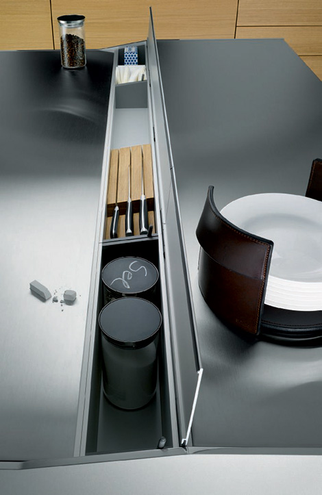 Siematic S1 kitchen - island utility conduit