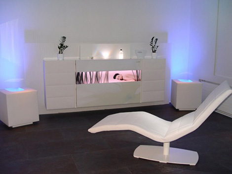 skloib-programmable-furniture-white-box-cube-control.jpg
