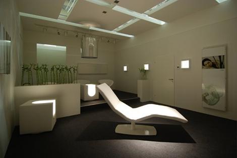 skloib-white-box-cube-lounge-chair.jpg