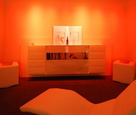 skloib-white-box-cube-red-mood-light.jpg
