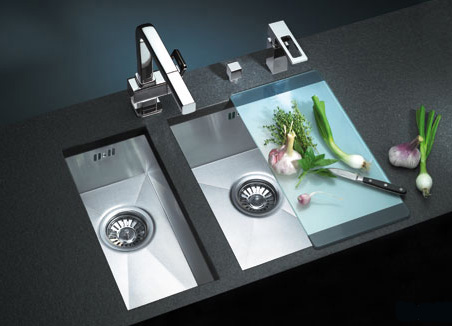 suter kitchen sink1 Stainless Steel Kitchen sinks from Suter   Super Versatile sinks