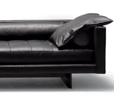 Swan Plaza sofa with soft pillows