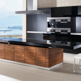 K7 Kitchen by Team 7 – automated kitchen island with height adjustable worktop & more