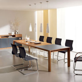 Extension dining room table from Team 7 – the Magnum modern dining table