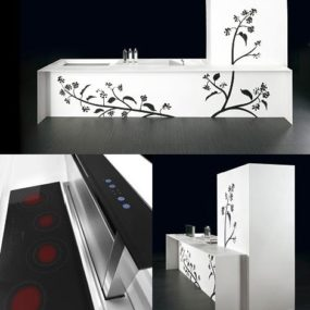 Decorative Kitchen from TM Italia – 'Touch Tatoo' with bold floral pattern and touch controlled drawers