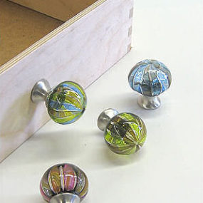 Glass drawer pulls by Tracy Glover – Decorative hand-blown drawer knobs