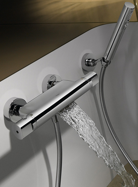 tres thermostatic tub shower faucet waterfall 2 Thermostatic Tub Shower Faucet with Waterfall by Tres