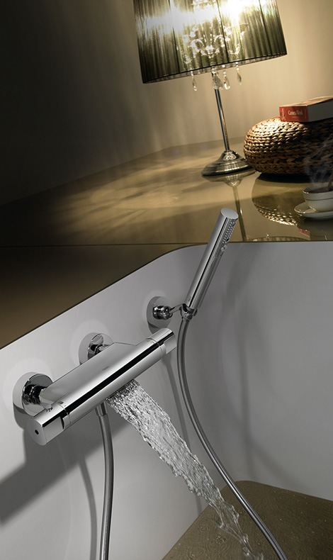 tres-thermostatic-tub-shower-faucet-waterfall-3.jpg