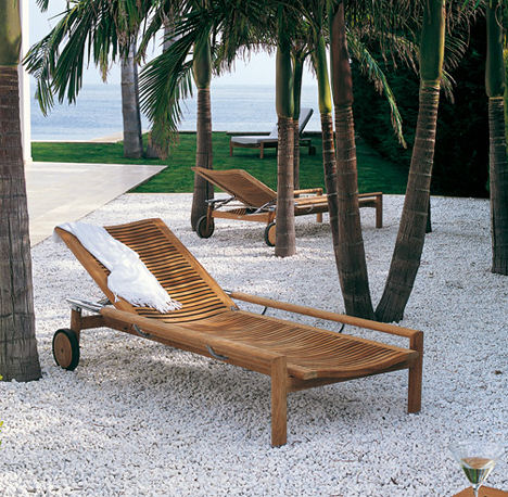 Triconfort Outdoor Furniture – the Equinox solid wood furniture collection
