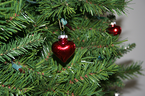 valentines-day-red-heart-tree-ornaments-7.jpg