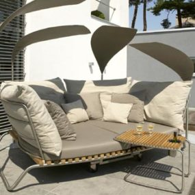 Outdoor furniture from Valeur – Fiji Stainless Steel / Teak furniture
