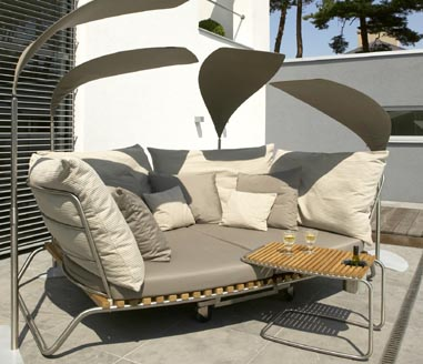 valeur fiji twin bed Outdoor furniture from Valeur   Fiji Stainless Steel / Teak furniture