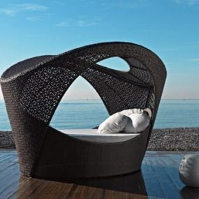 Poolside Daybeds – Altea design daybed from Varaschin