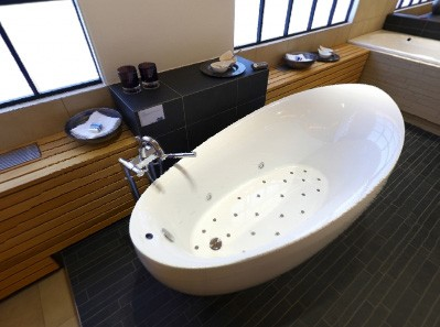 villeroy-boch-whirlpool-tub-aveo.jpg