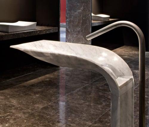 white-carrara-marble-pedestal-sink-ciuri-lithea-4.jpg