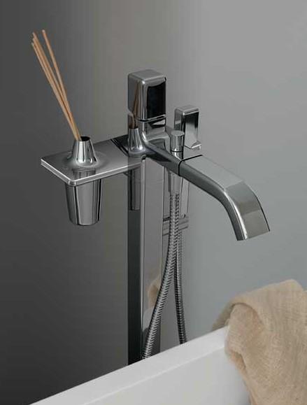 zucchetti-faucet-faraway-2.jpg