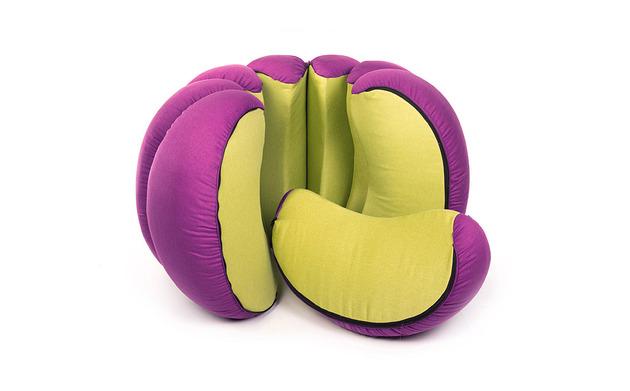 mandarin-a-playful-fruit-shaped-set-of-poufs-3.jpg