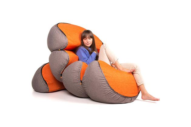 mandarin-a-playful-fruit-shaped-set-of-poufs-8.jpg