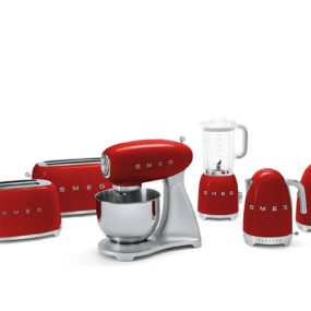 Smeg Small Applicances: Retro Look, Tech Upgrade
