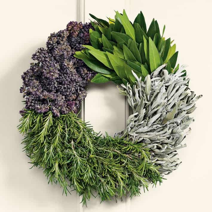 21 Creative Non Traditional Christmas Wreaths