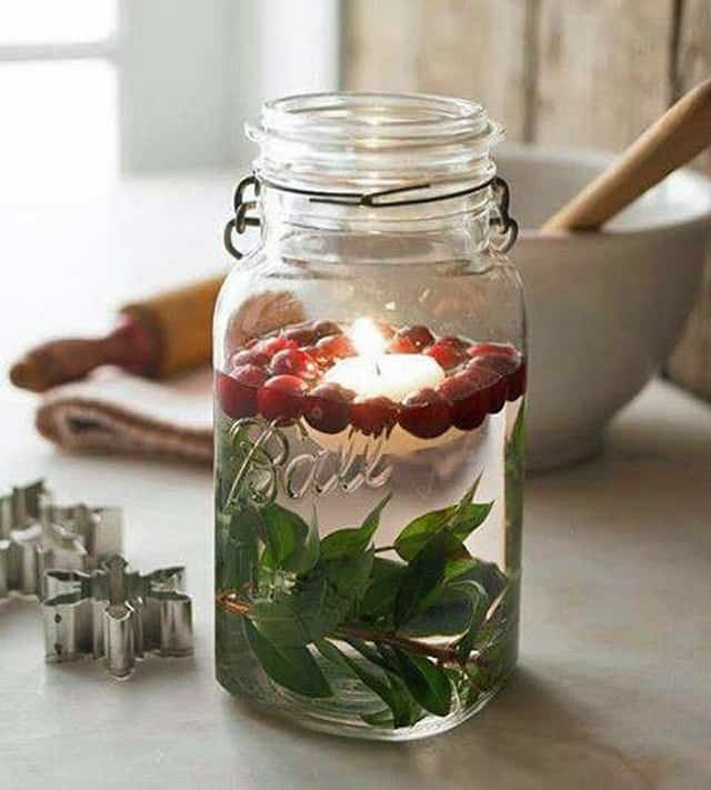Mason jar christmas centerpiece 16 modern easy diy ideas view in gallery diy christmas floating candle centerpiece 2g solutioingenieria Images