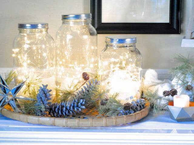 Mason jar christmas centerpiece 16 modern easy diy ideas view in gallery mason jar christmas lights 1g solutioingenieria Images