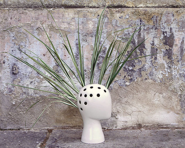 ceramic wig vase manikin head reinterpreted 2 spiky foliage thumb 630x503 19282 The Ceramic Wig Vase Is A Manikin Head Reinterpreted