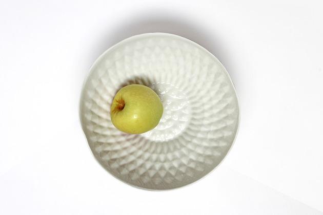 elegant-white-porcelain-bowls-for-your-tabletop-4.jpg