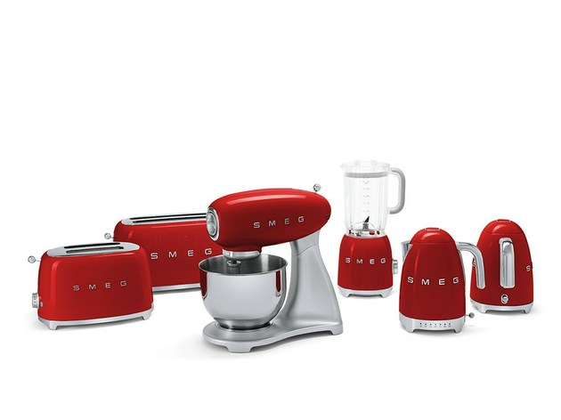 smeg small applicances retro look tech upgrade 1 thumb 630xauto 39007 Smeg Small Applicances: Retro Look, Tech Upgrade